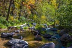 美丽的Sedona亚利桑那在一晴朗的秋天天 免版税库存图片