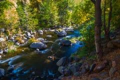 美丽的Sedona亚利桑那在一晴朗的秋天天 图库摄影