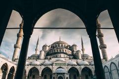 美丽的Sultanahmed蓝色清真寺伊斯坦布尔,土耳其 免版税库存照片