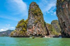 美丽詹姆斯庞德海岛和Khao砰枪在Phang Nga ba 免版税库存图片
