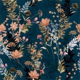 美丽软和柔和在充分黑暗的庭院里开花的f 皇族释放例证