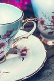 美丽,英语,与日本樱桃树开花的葡萄酒茶杯,关闭 库存图片