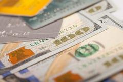美元和信用卡 库存图片