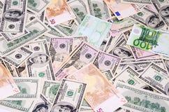 美元和欧洲票据在充分的框架 免版税图库摄影