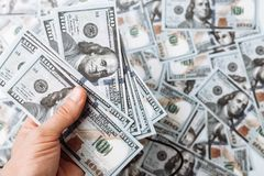 100美元,美国钞票,背景金钱,现金货币关闭许多票据-,总统` s面孔 免版税库存照片