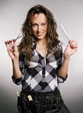 美发师面带笑容工具 库存照片