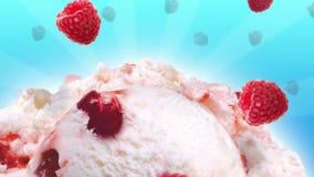 美味的冰淇凌用慢落的草莓 股票录像
