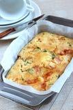 美味饼用乳酪、蕃茄和Ramsons 库存照片