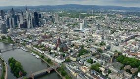 美因河畔法兰克福,德国都市风景的鸟瞰图  股票视频