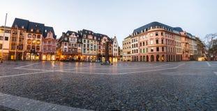 美因法,德国- 2017年11月14日:老的集市广场 免版税图库摄影