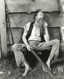 美国东南部山区的农民抽泥烟斗 免版税库存图片