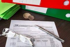 美国个体的报税表1040 库存照片
