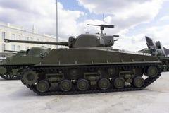 美国中型油箱, M4A276 HVSS谢尔曼在军用设备博物馆  库存图片