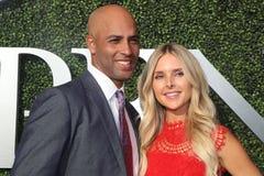美国人在美国公开赛2017年首场演出前退休了职业网球球员詹姆斯・布雷克和埃米莉蓝色地毯的Snider 库存照片