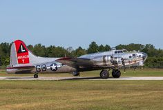 美国人空军队` s B-17飞行堡垒,美国人夫人 免版税库存照片