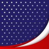 美国光滑的抽象波浪线国旗的颜色爱国背景在星的样式的背景的 皇族释放例证