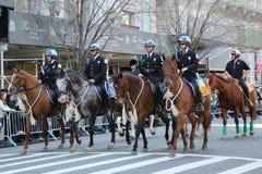 美国公园警察马登上的单位参与在圣帕特里克的天游行 免版税库存图片