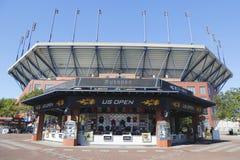 美国公开赛在美国公开赛期间的汇集商店2014年在比利・简・金国家网球中心 库存图片