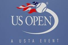 美国公开赛标志在比利・简・金国家网球中心 库存照片