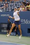 美国公开赛2014妇女双拥护叶卡捷琳娜・马卡洛娃在决赛期间在比利・简・金国家网球中心 图库摄影