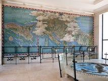 美国军事公墓的战略空袭地图在聂图诺 免版税库存图片