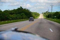 美国减速火箭的汽车在古巴 库存图片
