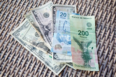 美国和墨西哥金钱 库存照片