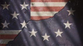 美国和欧洲旗子在破裂的混凝土墙上 库存照片