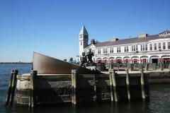 美国商船纪念品和码头1在曼哈顿 库存照片