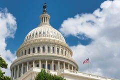 美国国会大厦在华盛顿特区,是美国人员和他们的政府,国家的立法机关的会址的符号 图库摄影