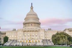 美国国会大厦-其中一个最著名的大厦在华盛顿-华盛顿特区-哥伦比亚- 2017年4月7城市日 免版税图库摄影