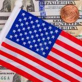 美国国旗包括一百美元 并且一美国 免版税库存照片