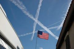 美国国旗和蒸气足迹 库存照片