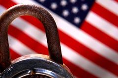 美国国旗挂锁安全美国 库存图片
