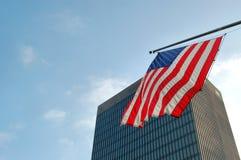 美国国旗摩天大楼 免版税库存照片