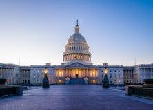 美国在日落的国会大厦大厦-华盛顿特区,美国 库存图片