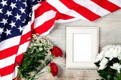 美国在木背景下垂 免版税库存照片