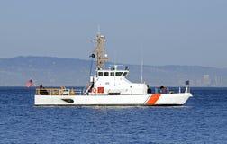 美国在海湾停住的海岸警卫队 库存照片