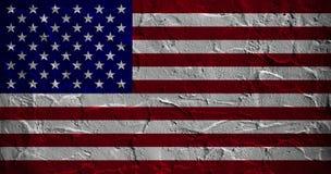美国在被构造的混凝土墙的片段下垂 免版税库存图片