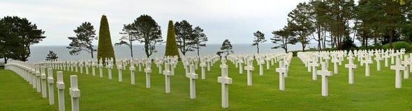 美国墓地全景的诺曼底 免版税库存图片