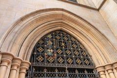 美国大教堂的前面的建筑细节 库存图片