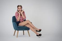 美国女孩针射击工作室样式 免版税图库摄影