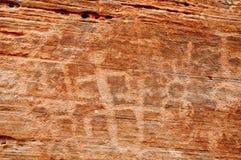 美国峡谷当地刻在岩石上的文字墙壁 库存照片