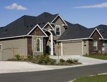 美国房子现代新 免版税库存图片