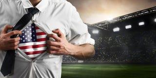美国显示旗子的足球或橄榄球支持者 库存图片