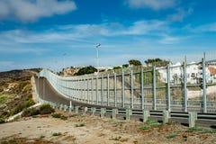 美国有墨西哥的边界墙壁在加利福尼亚 图库摄影