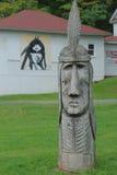 美国本地人木头雕塑 库存照片