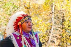 美国本地人车落基印第安人在发烟性山在秋天IV 免版税库存图片