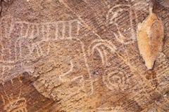美国本地人刻在岩石上的文字 图库摄影