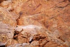 美国本地人刻在岩石上的文字 免版税库存图片